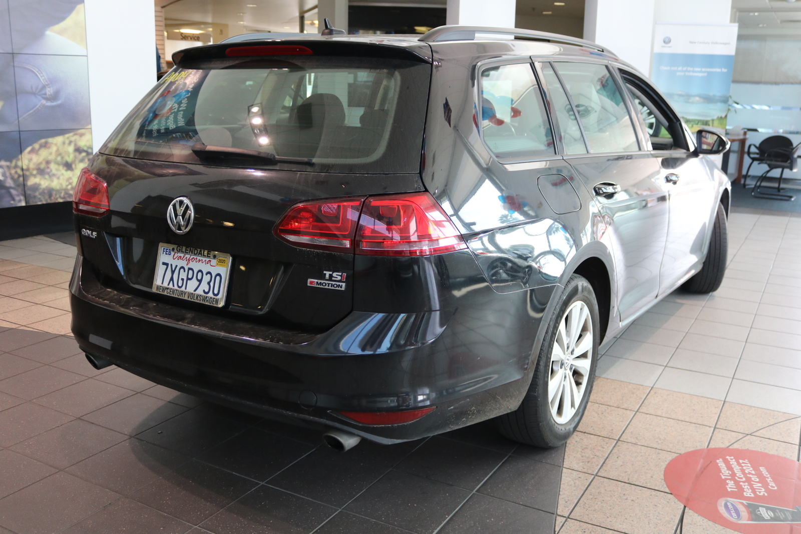 Certified Pre-Owned 2017 Volkswagen Golf SportWagen S